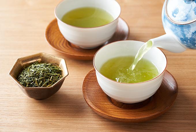 飲み物はビールや麦茶でなく日本酒や緑茶